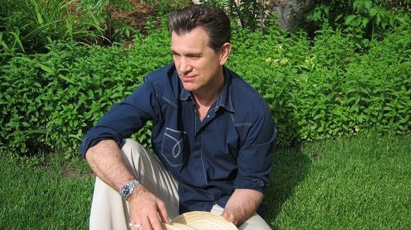 <p>For <em>Beyond the Sun</em>, Chris Isaak picked classic songs that he'd been singing his whole life.</p>