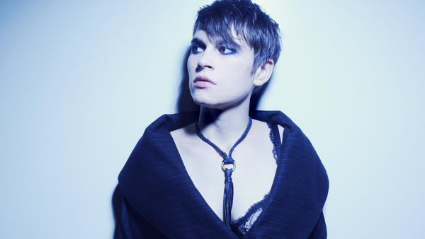 Kaki King's latest album is called <em>Glow</em>.