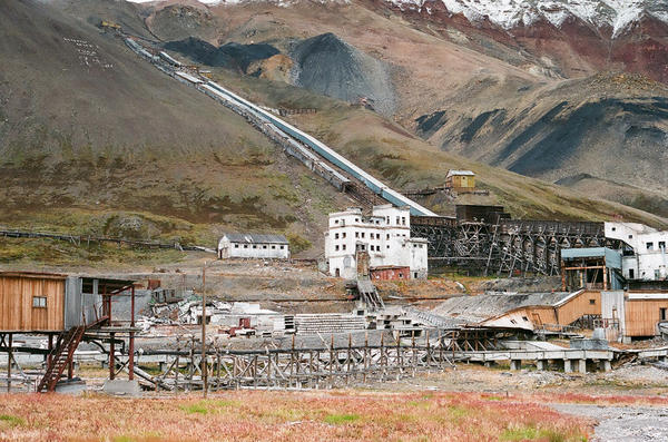 Part of the abandoned mining apparatus in the town of Piramida.