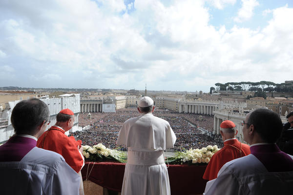 """Pope Francis wished a """"Happy Easter"""" greeting could reach """"every house and every family, especially where the suffering is greatest, in hospitals, in prisons."""" Francis prayed that Christ would help people """"change hatred into love, vengeance into forgiveness, war into peace."""""""