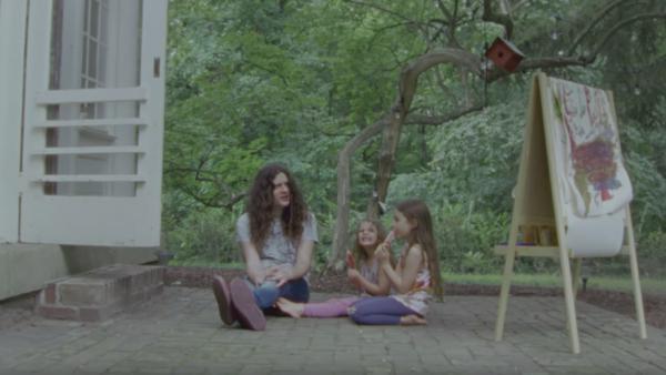 "A still from Courtney Barnett & Kurt Vile's ""Continental Breakfast"" video."