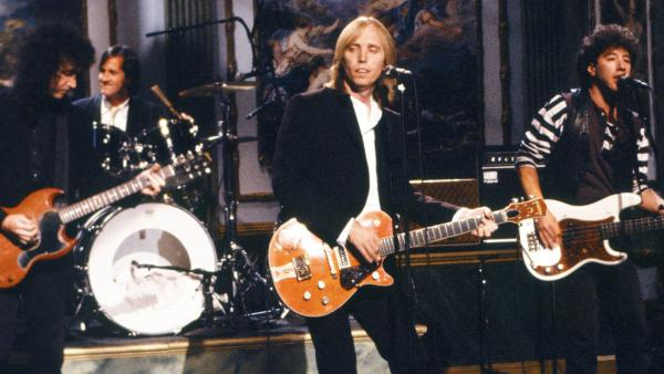 Tom Petty & The Heartbreakers perform on <em>Saturday Night Live</em> after the release of <em>Full Moon Fever</em> in 1989.
