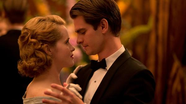 Diana (Claire Foy) and Robin (Andrew Garfield) star in <em>Breathe</em>, the directorial debut of actor Andy Serkis.
