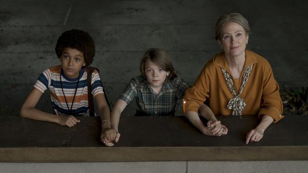 Jamie (Jaden Michael) and Ben (Oakes Fegley) meet ... a woman played Julianne Moore (no spoilers!) in Todd Haynes' <em>Wonderstruck</em>.