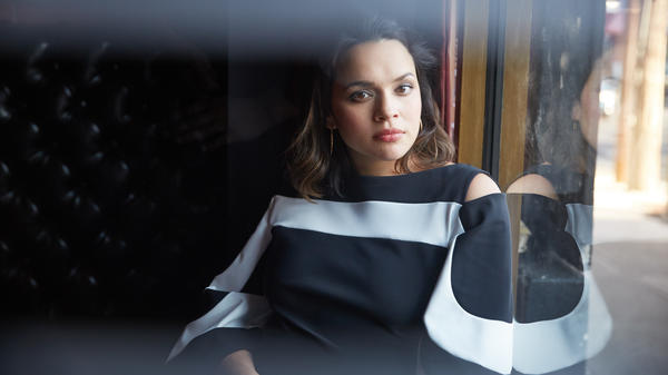 Norah Jones' <em>Day Breaks: Deluxe Edition </em>comes out Oct. 27