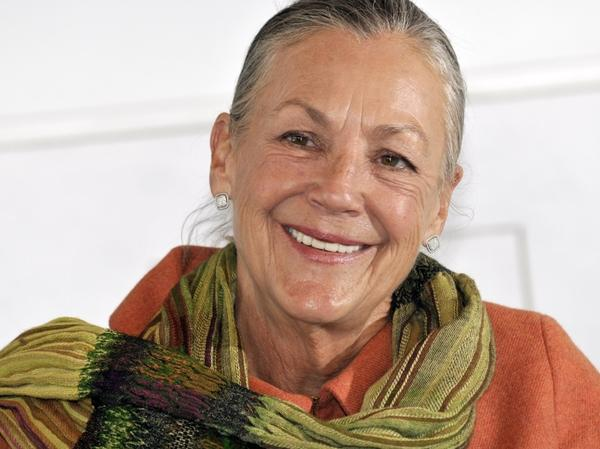"Alice Walton is the daughter of Wal-Mart founder Sam Walton. This year, <em>Forbes</em> magazine named her the <a href=""http://www.forbes.com/forbes-400/"">10th richest person in America</a>."