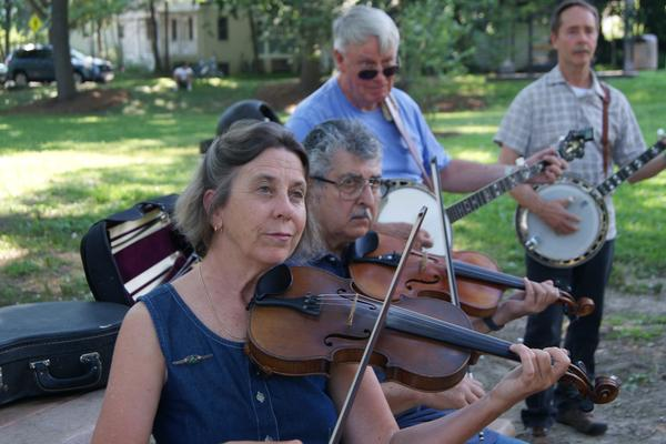 Vance Bonner and fellow CABOMA members play together on a summer afternoon.