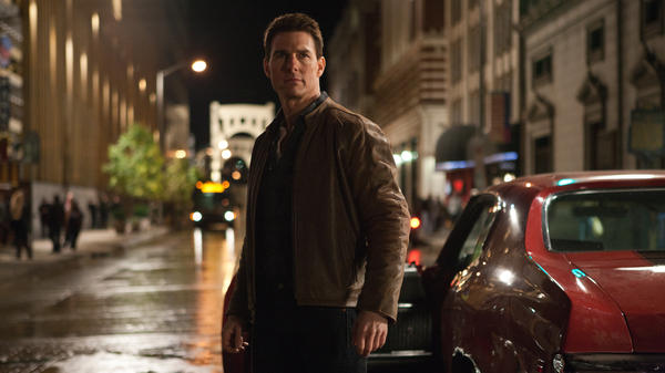 Cruise, who is reportedly 5 foot 7 in person, plays a 6-foot-5 homicide cop in <em>Jack Reacher</em>.