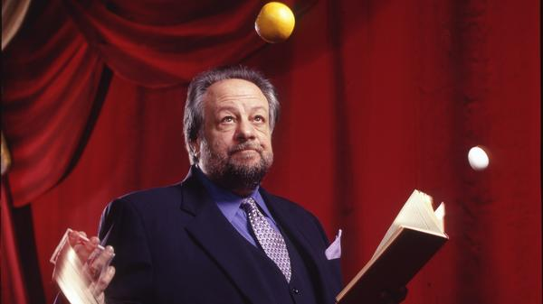 Veteran magician Ricky Jay reveals much about himself in a new documentary on his life of deception. His card-trick techniques? That may be another story.