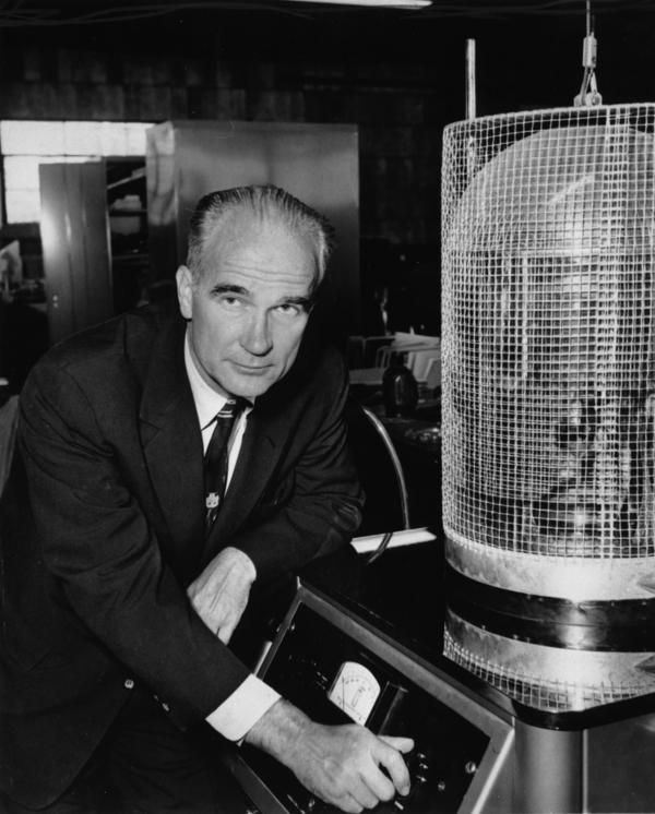 Dr. William Shockley, co-inventor of the junction transistor which revolutionized the field of electronics by replacing the vacuum tube, poses in his lab in California on Nov. 1, 1956.