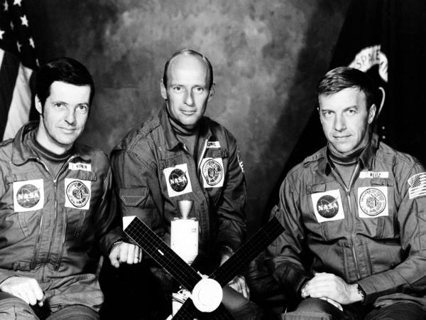 "American astronaut Paul J. Weitz, right, with Joseph P. Kerwin, left and Charles ""Pete"" Conrad Jr., center. The crew of the first manned Skylab mission is shown in May 1973."