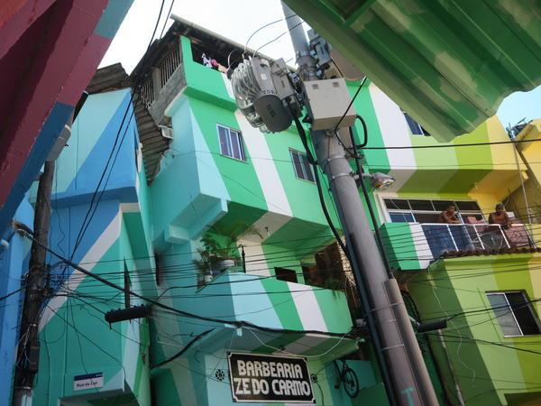 Haas&Hahn: Praça Cantão, Santa Marta favela