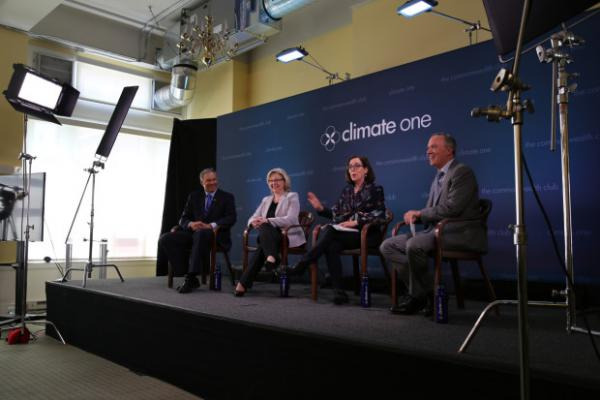 <p>Oregon Gov. Kate Brown, second from right, and Washington Gov. Jay Inslee, left, are joining together in support of clean energy.</p>