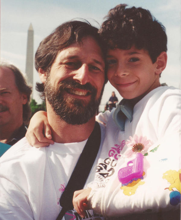 Alan Stepakoff and his son, Josh, in Washington, D.C., for the Million Mom March rally in May 2000, the year after Josh was shot at his Jewish day camp.