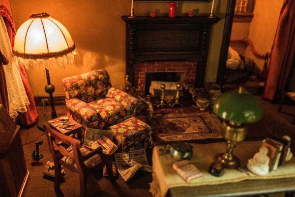 Frances Glessner Lee, Living Room (detail), about 1943-48.