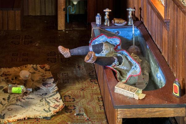 Frances Glessner Lee, <em>Dark Bathroom</em> (detail), about 1944-48.