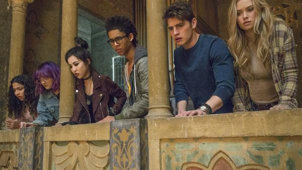 The view from the cheap seats (L to R): Molly (Allegra Acosta), Gert (Ariela Barer), Nico (Lyrica Okano), Alex (Rhenzy Feliz), Chase (Gregg Sulkin) and Karolina (Virginia Gardner) in <em>Runaways</em>.