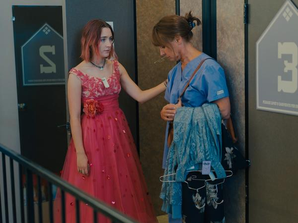 Saoirse Ronan and Laurie Metcalf play a daughter and mother who clash and connect in <em>Lady Bird.</em>