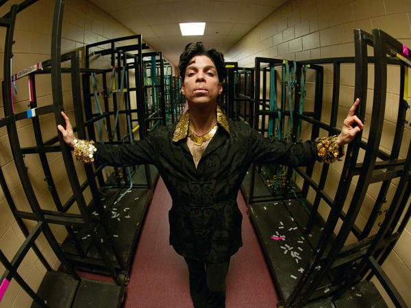 Backstage in Philadelphia, 2004. This shot was used to create the mural and cover for the album <em>Lotusflow3r</em>.