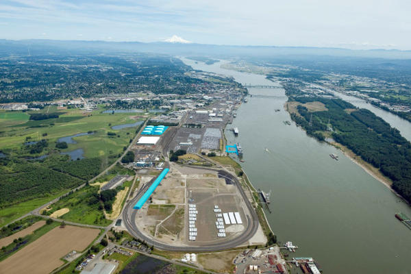 <p>Vancouver Energy's proposed facility (highlighted in blue) at Terminal 5 at the Port of Vancouver.</p>