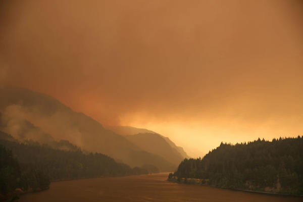 <p>Smoke from the Eagle Creek Wildfire.</p>