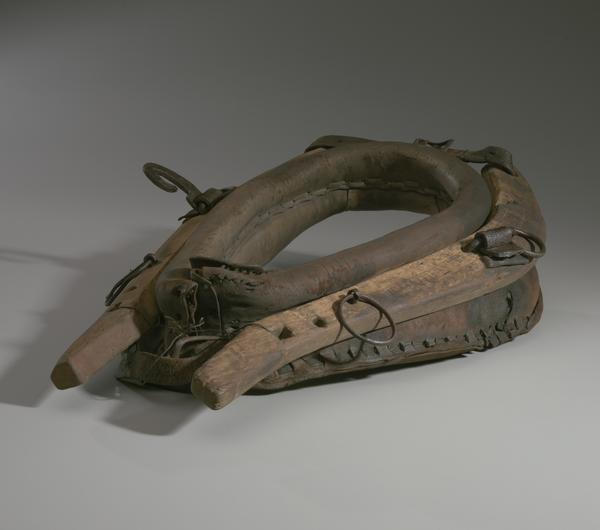 A horse collar owned by Morton Lyles.