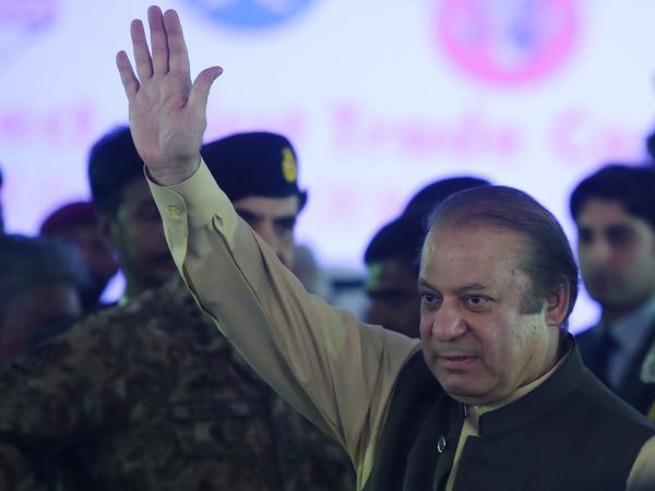 Pakistan's Prime Minister Nawaz Sharif waves as he arrives to attend a ceremony in the Pakistani port of Gwadar on Nov. 13.