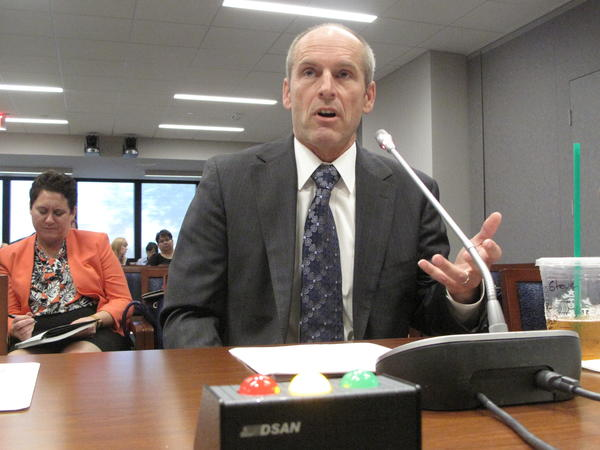 SawStop founder Steve Gass testifies at a Consumer Product Safety Commission hearing.