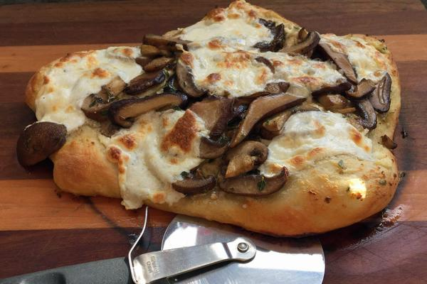 Kathy's quick mushroom and ricotta pizza. (Kathy Gunst for Here & Now)
