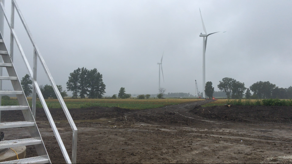 Crews work on the Hog Creek Wind Farm in Hardin County.