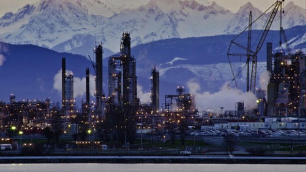 <p>The Tesoro refinery in Anacortes, Washington. An energy company has proposed to build the first oil refinery on the Columbia River, in Longview, Washington, according to public documents.</p>