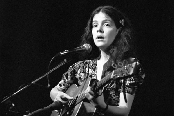 Maggie Roche performing with The Roches in New York City on May 16, 1979.