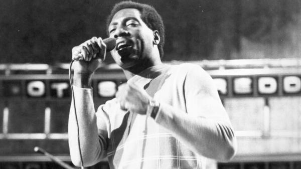 Otis Redding performs on the British TV show <em>Ready Steady Go</em> in 1966.