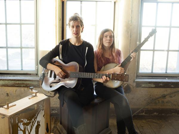 This week's episode of <em>The Thistle & Shamrock </em>features music by Appalachian musical duo Anna & Elizabeth.