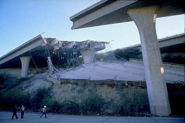 Many roads, including bridges and elevated highways, were damaged by the 1994 Northridge Earthquake. Oregon and Washington are currently focused on making seismic improvements to highways and bridges to establish ''seismic lifelines.''