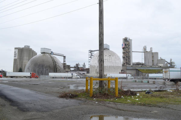 <p>Ash Grove Cement makes limestone into cement at its South Seattle plant.</p>