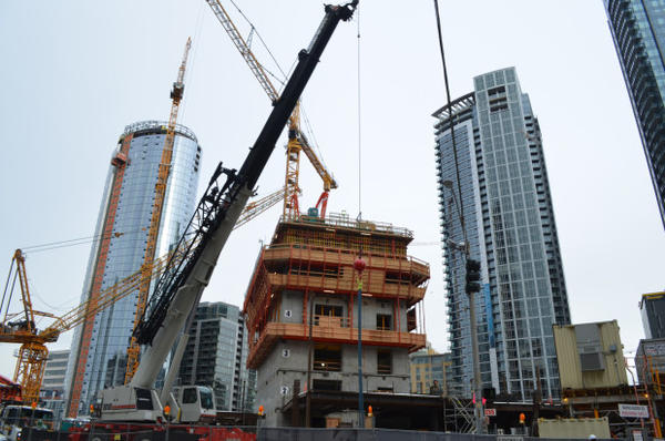 <p>Yet another building's going up in Seattle's South Lake Union neighborhood.</p>