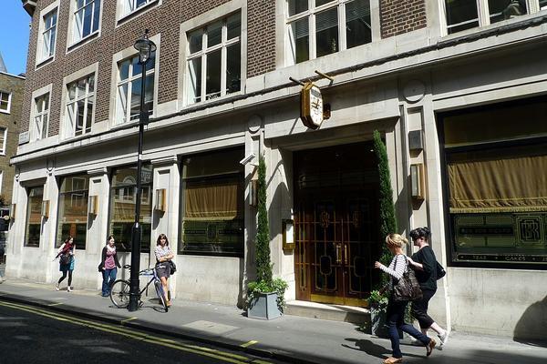 Bob Bob Ricard in Soho, London. (Ewan Munro via Wikimedia Commons)