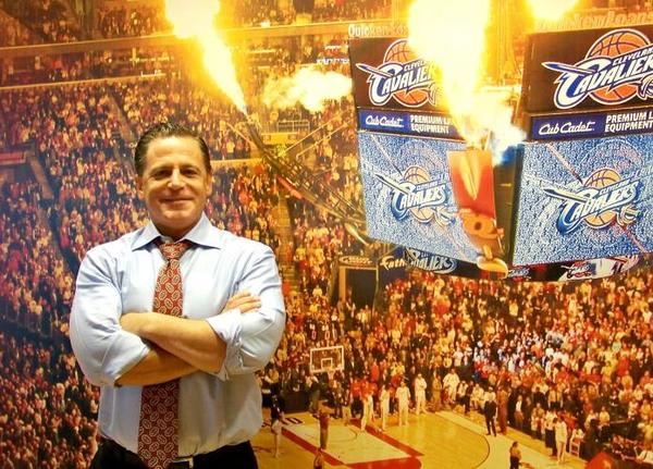 Cavs owner Dan Gilbert needs to talk face-to-face with LeBron  James, says Terry Pluto