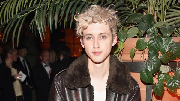 "Troye Sivan's ""My My My!"" is a LGBTQ anthem about throwing caution into the wind."