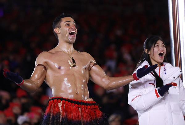 Tongan cross-country skier Pita Taufatofua delighted fans at the closing ceremony by reprising his shirtless march from the opening ceremony.