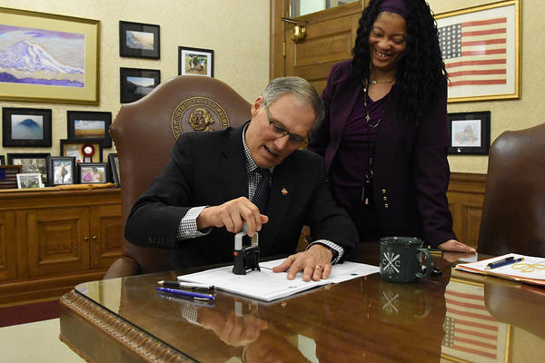 Washington Gov. Jay Inslee late Thursday  vetoed a bill that exempts the Legislature from the state's voter-approved Public Disclosure Act.