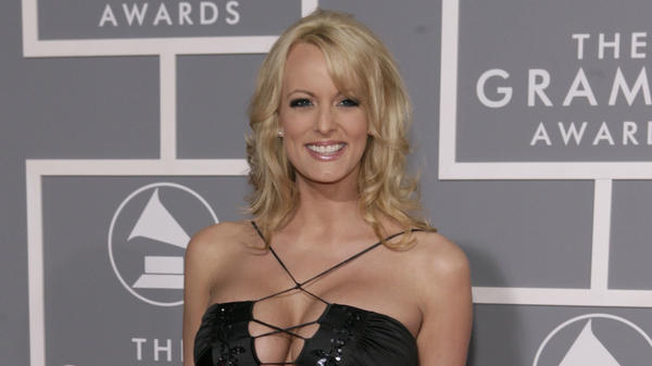 "Stormy Daniels' suit alleges President Trump ""purposely did not sign the agreement so he could later, if need be, publicly disavow any knowledge of the 'Hush Agreement.' """
