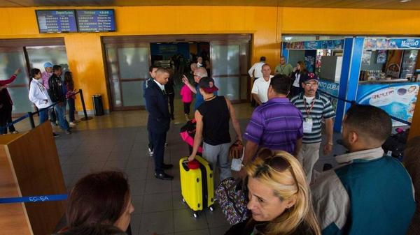 Passengers at José Martí International Airport in Havana on February 2016.