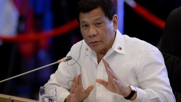 Philippine President Rodrigo Duterte delivers a statement in Manila in Nov. 2017. Duterte will withdraw the Philippines from the Rome Statute, the treaty that established the International Criminal Court (ICC), according to a statement released to reporters in Manila on Wednesday.