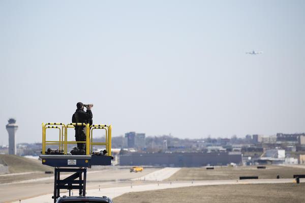 Air Force One approaches St. Louis Lambert International Airport.