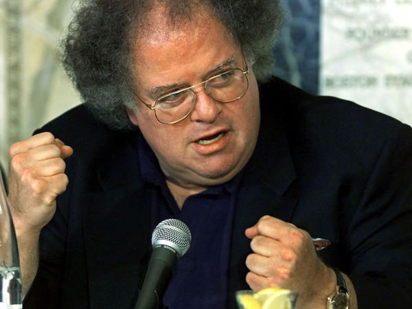 James Levine, at a press conference in Boston, in 2001.
