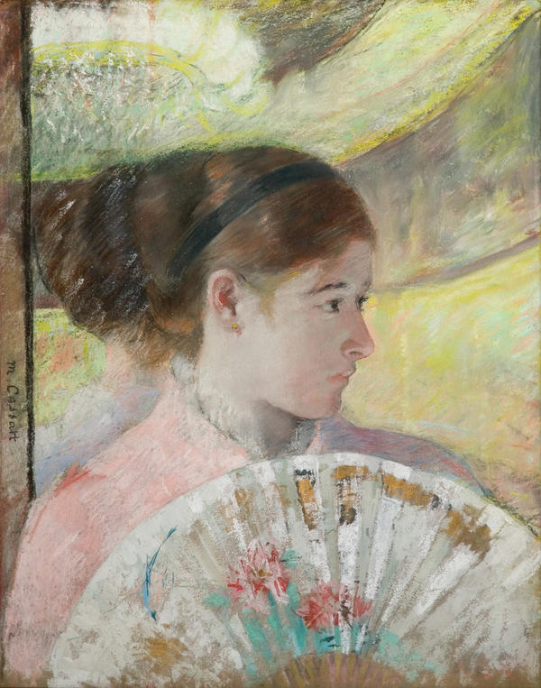 In<em> At the Theater</em>, Cassatt incorporates metallic paint with gouache and pastel.