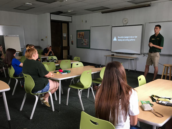 Incoming students at Arkansas Tech University in Russellville are now required to attend sessions on preventing pregnancy.