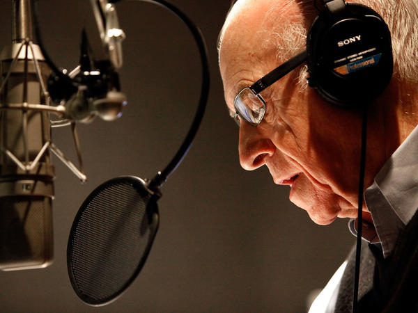 NPR's Carl Kasell delivers one of his last newscasts during <em>Morning Edition</em> on Dec. 30, 2009 in Washington, D.C.